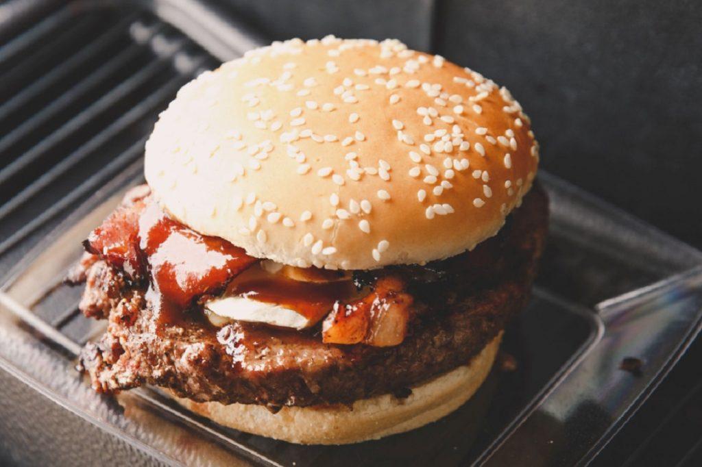 Hamburguer com bacon / Foto: Rafael Guirro